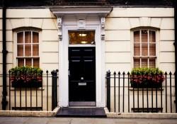 Giv nyt liv til din bolig med flot facadedør til billig pris