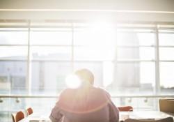 Solfilm på vinduerne gør bygningerne køligere